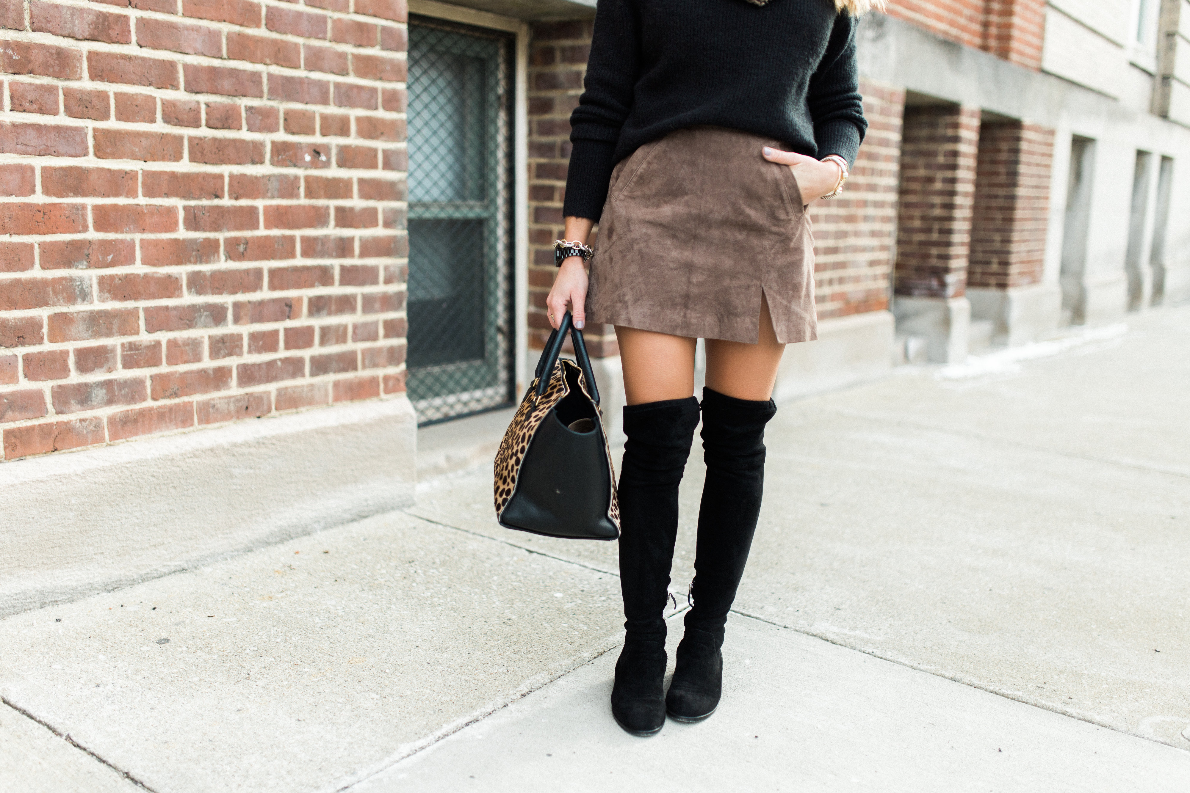 Winter Outfits to Copy:: Pair your suede skirt with a cozy cropped sweater & pair of over the knee boots!