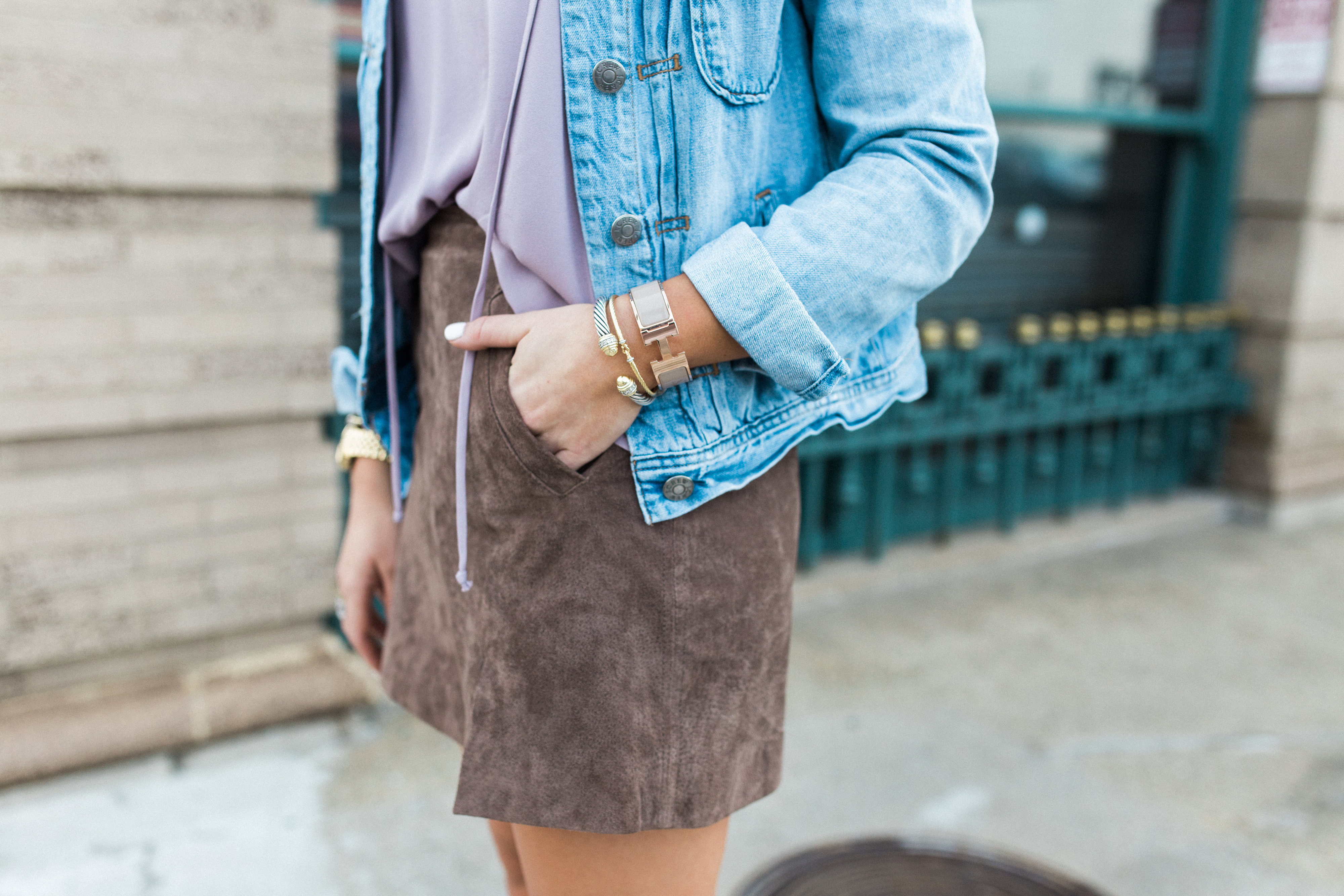 How to style a suede skirt for spring // Blank NYC Spring Suede Skirt, Vince Camuto Lace Up Sandals, How to wear a denim jacket // Spring style inspiration // Spring outfit idea via Glitter & Gingham