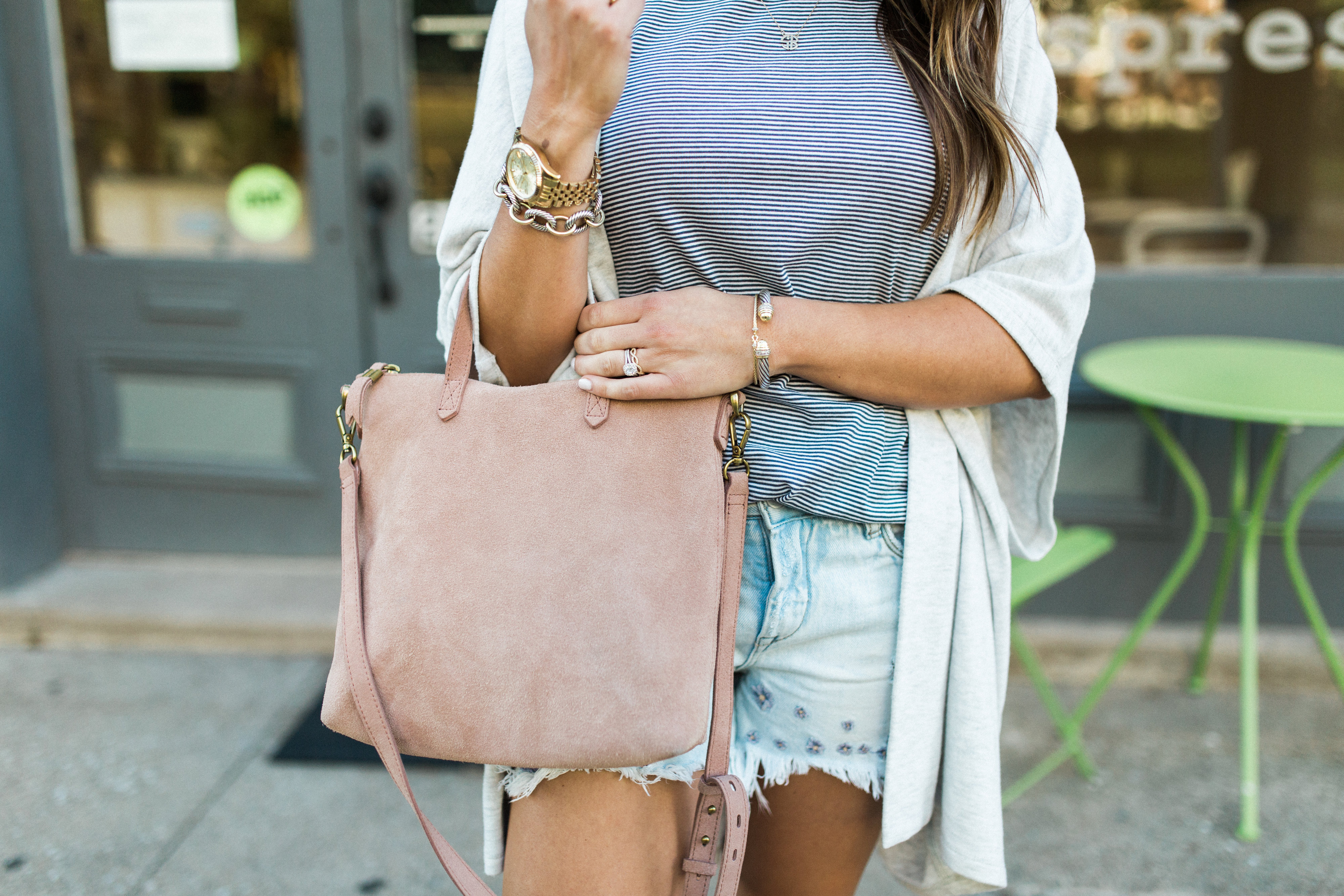 Casual Summer Style / Embroidered Denim Shorts