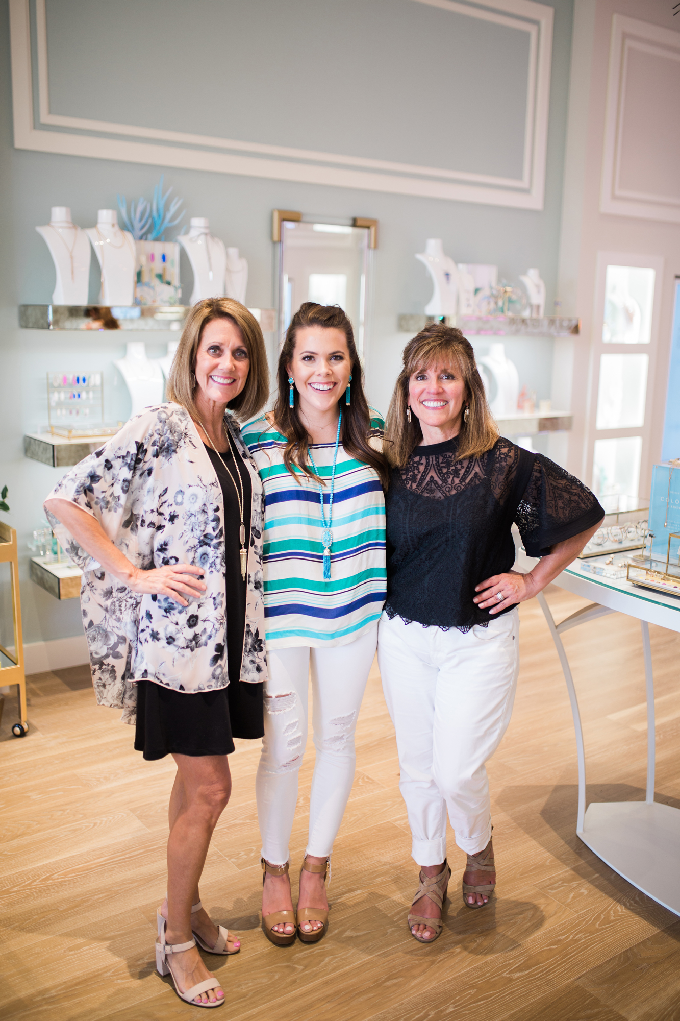 Kendra Scott Color Bar // The Summit at Fritz Farm