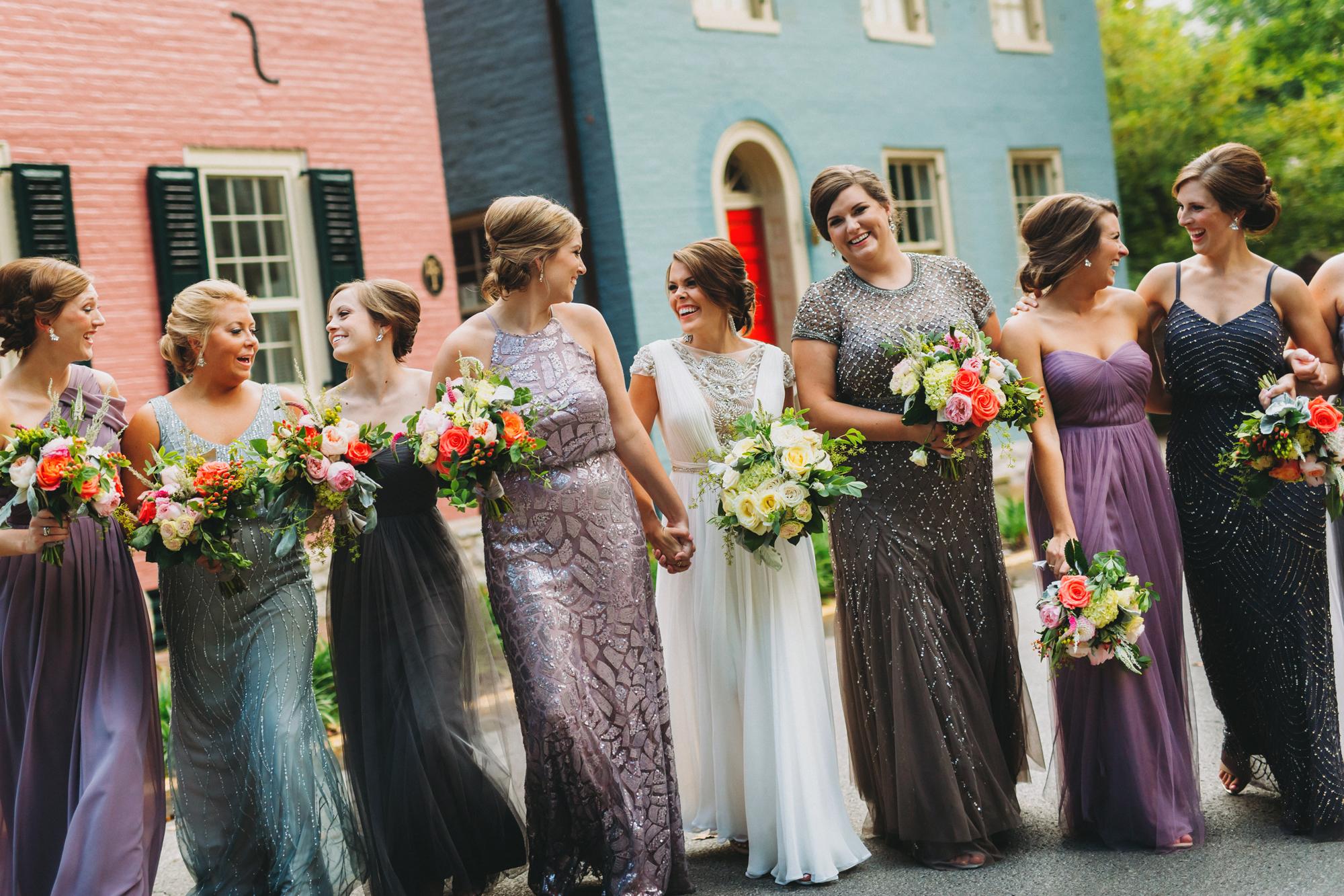 How to mix & match bridesmaids dresses / Mix & Match Bridesmaids Dresses
