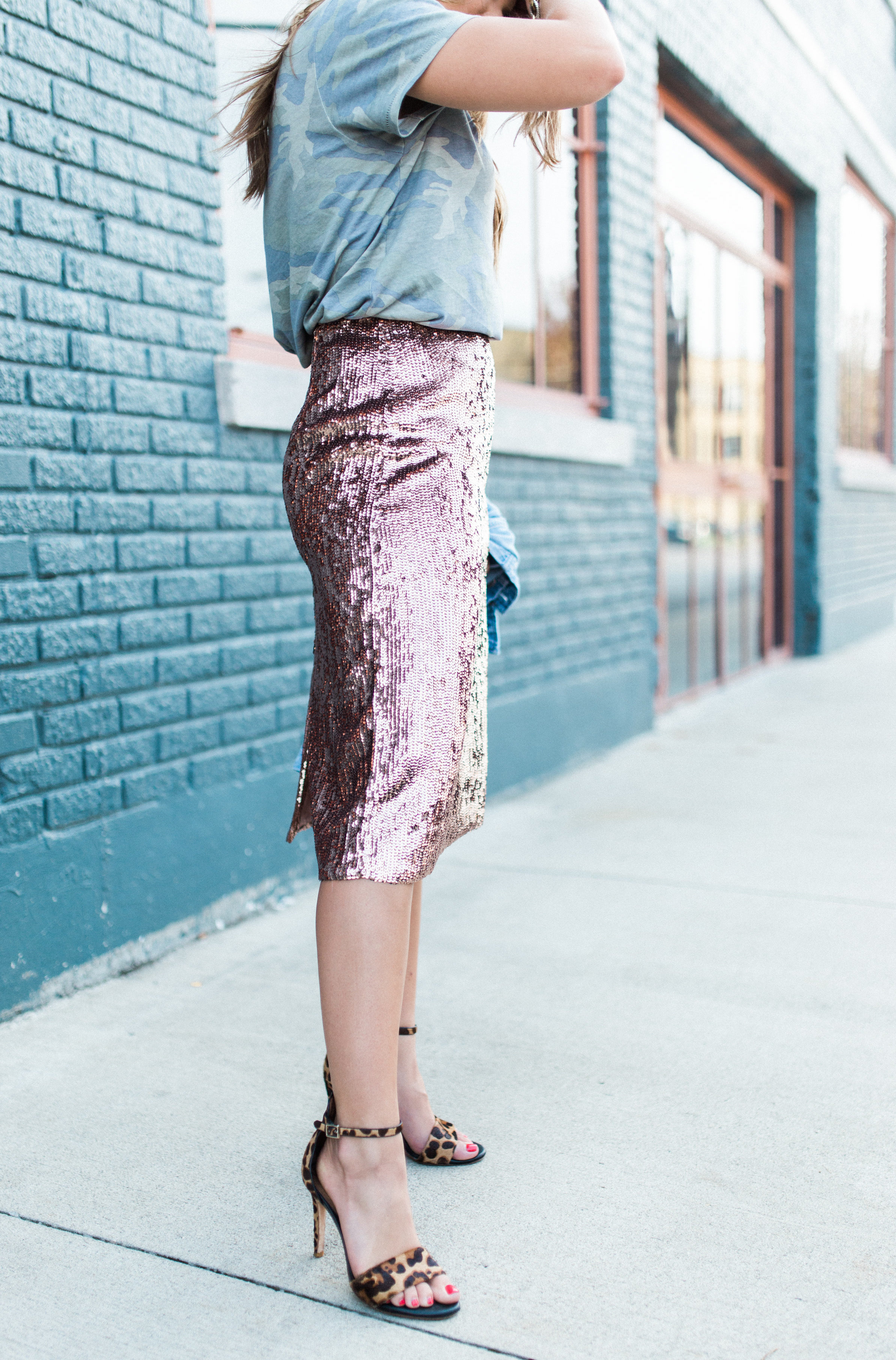 How to dress down a sequin skirt / sequin skirt for fall