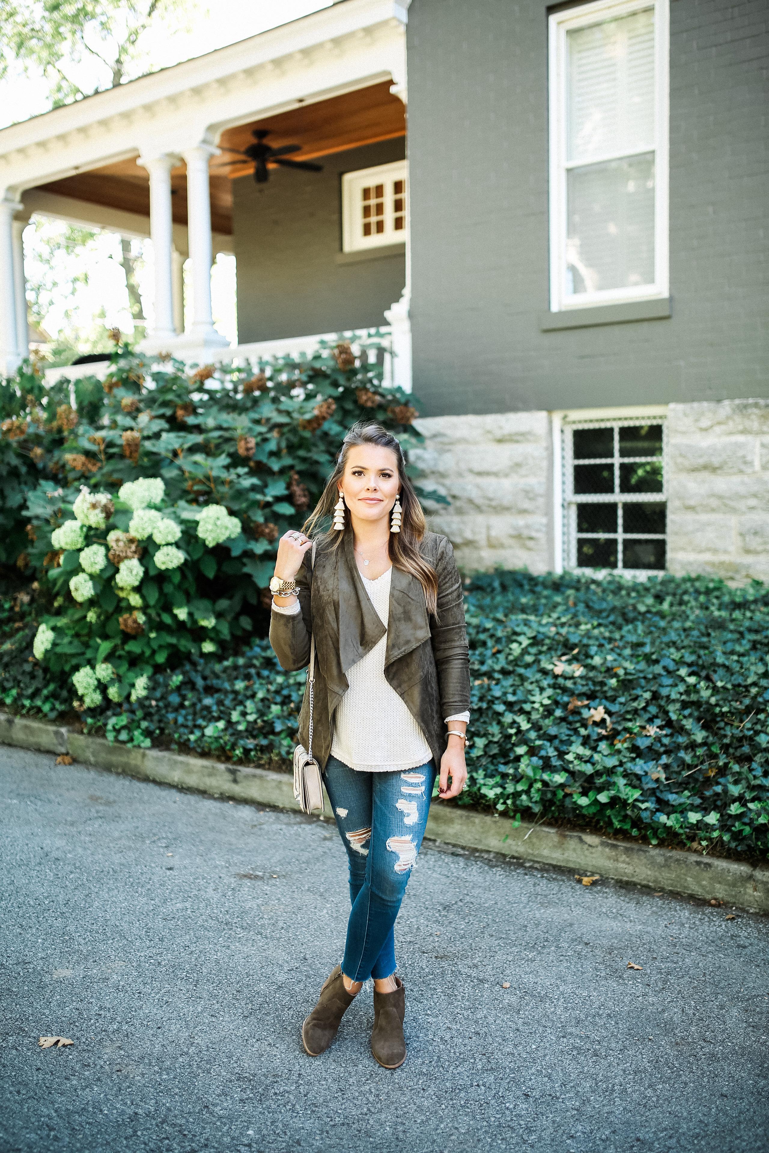 Fall Bucket List / Simple Fall Outfit Idea