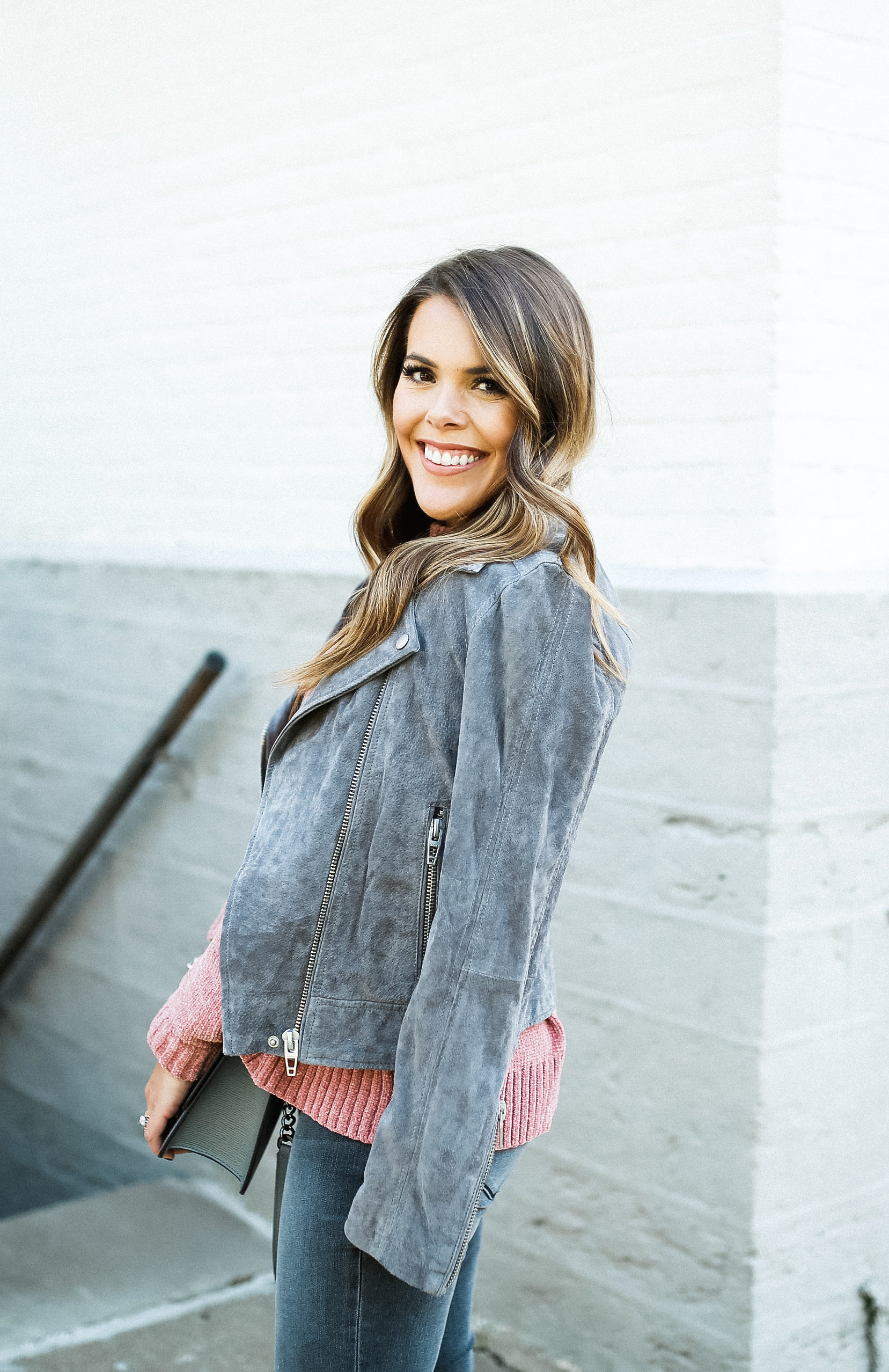 Best Jackets for Fall / A monochrome fall outfit