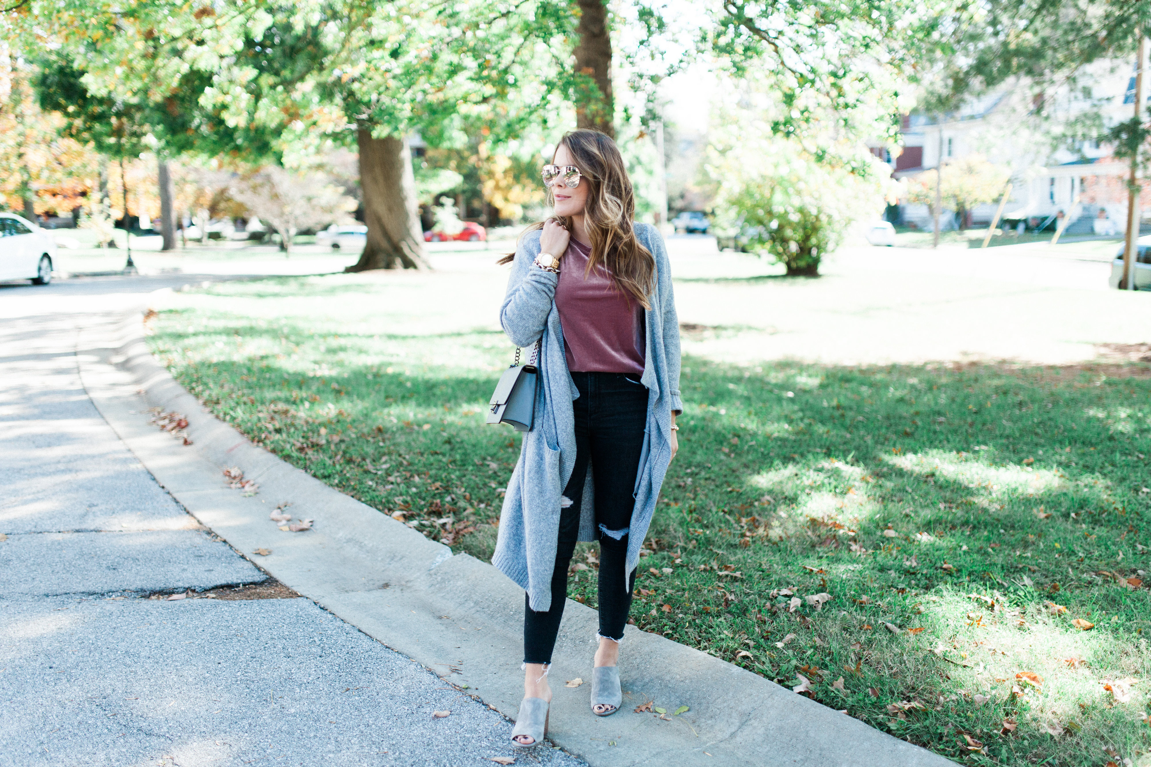How to wear a velvet tee / fall outfit idea