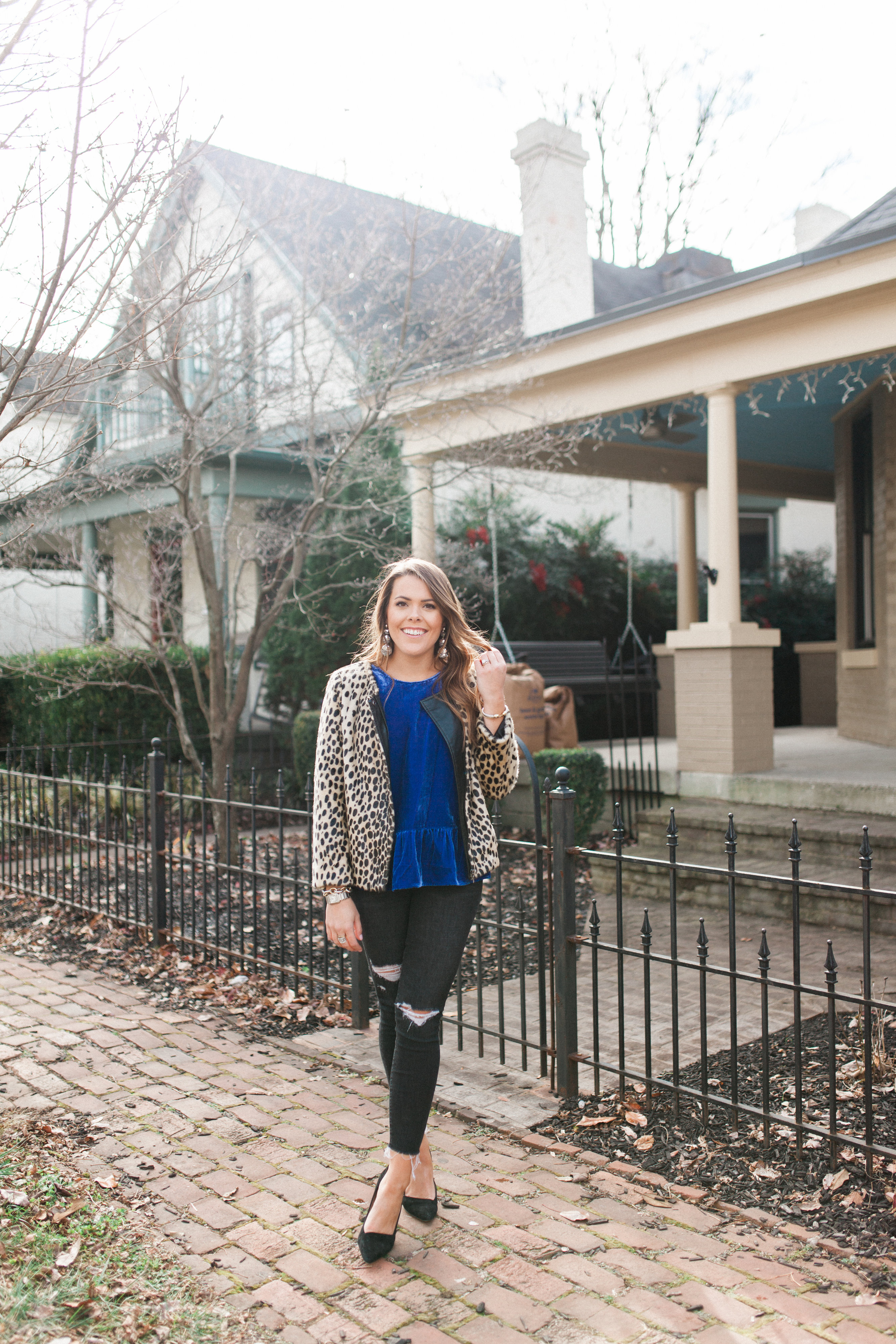 Simple Holiday Outfit / Velvet Peplum TOp