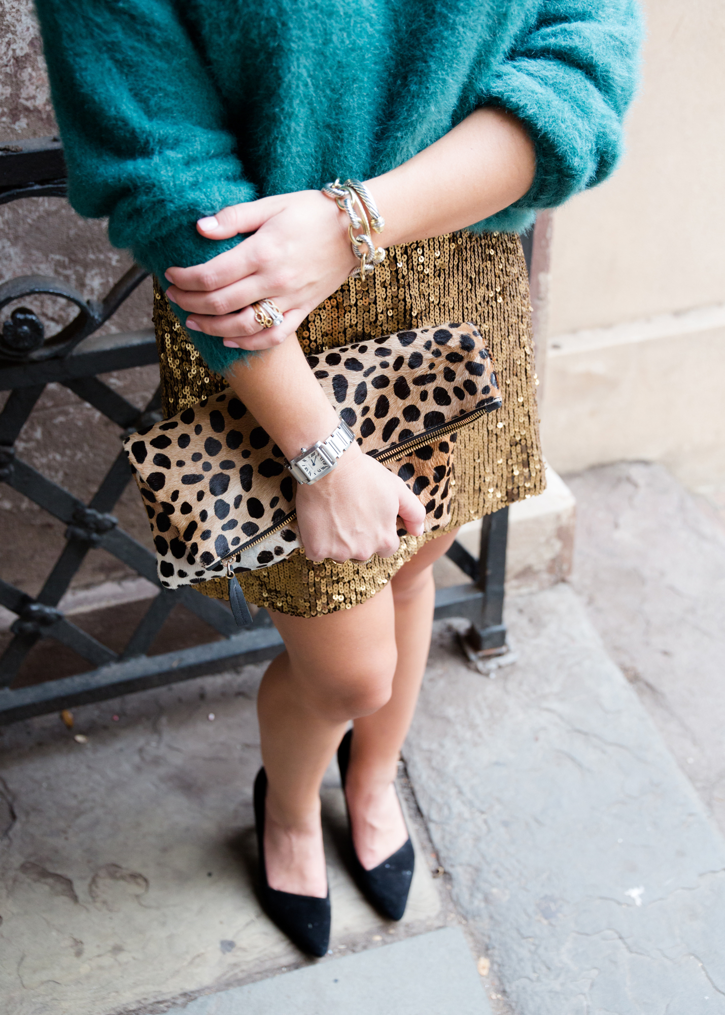 ae45f8456bfea Gold Sequin Skirt / Holiday Outfit Idea