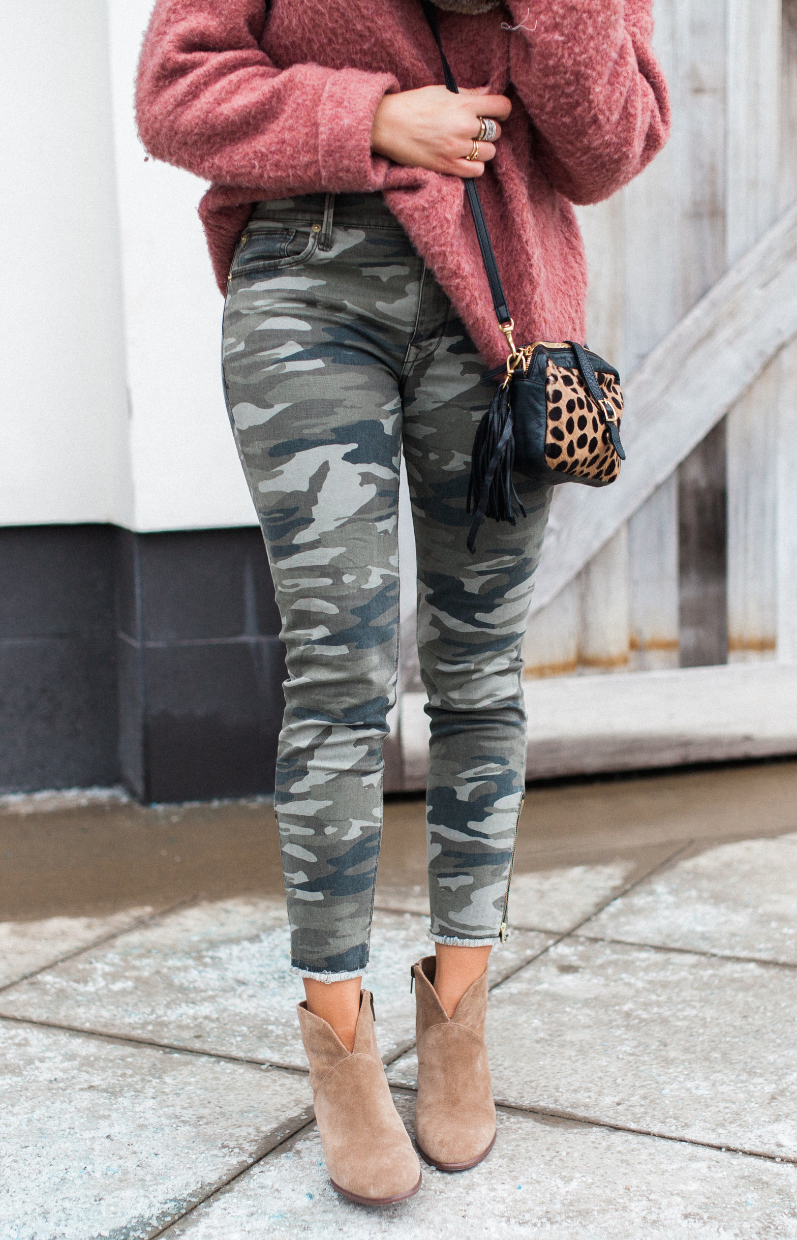Another way to style camo pants/ cozy way to wear camo pants