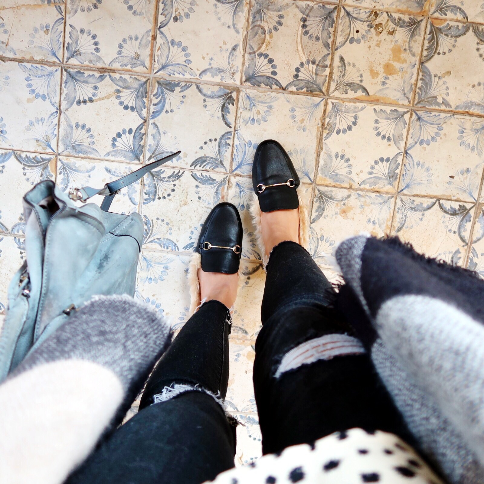 Winter Outfit Ideas / Gucci Slipper Dupes