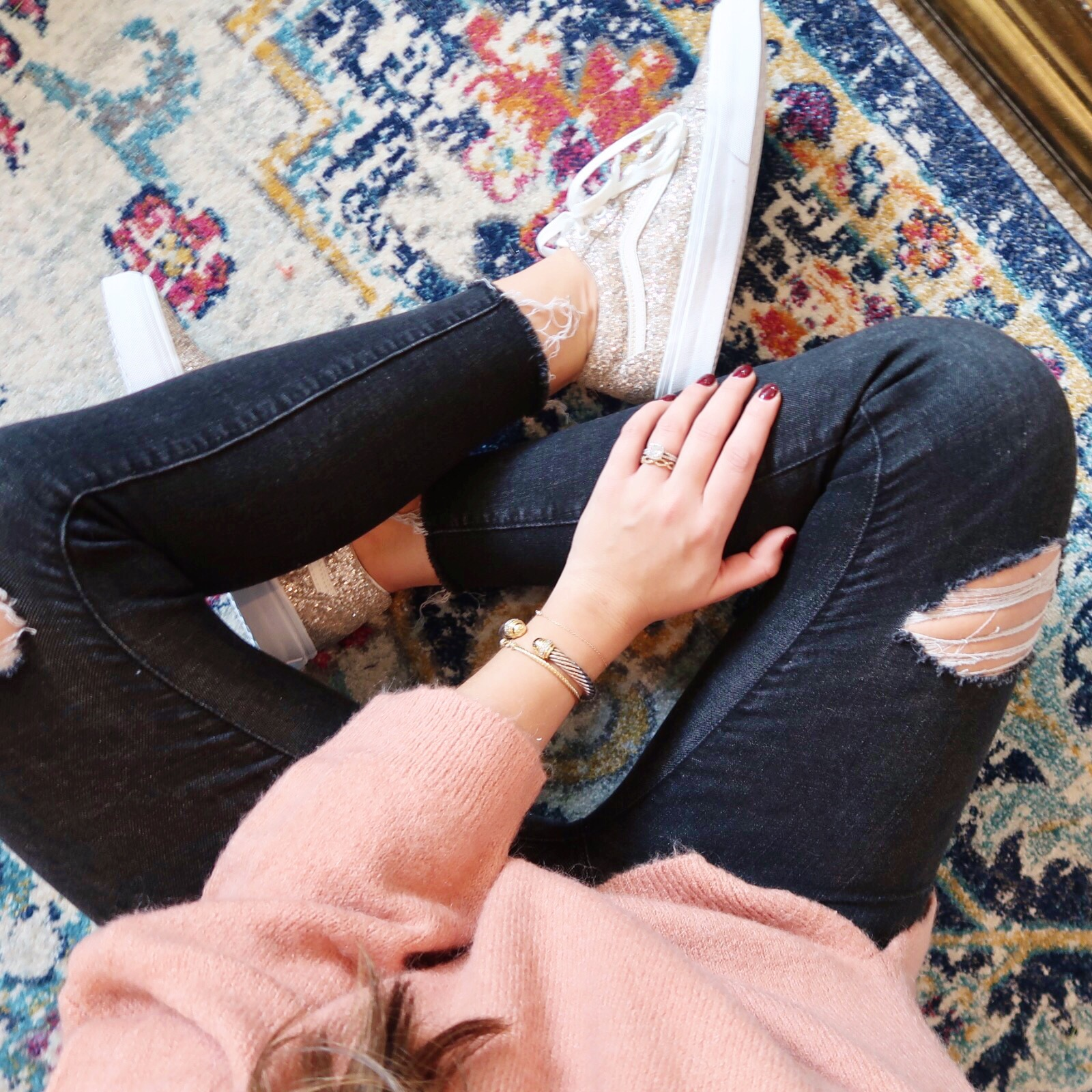 Winter Outfit Ideas / Glitter Sneakers